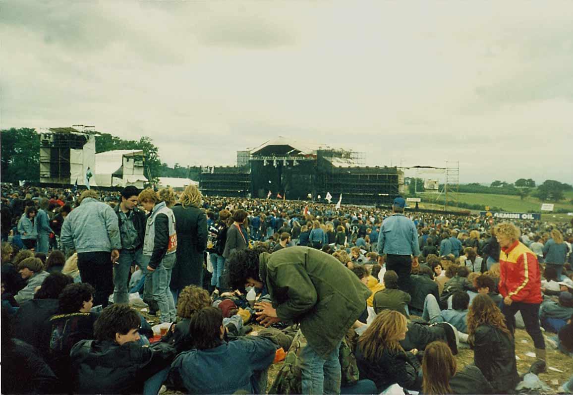 http://www.ukrockfestivals.com/don-1988-stage-lshot-karl.jpg