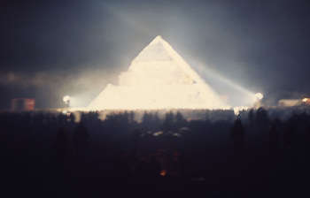 glasto-pyramid-paul-misso.jpg